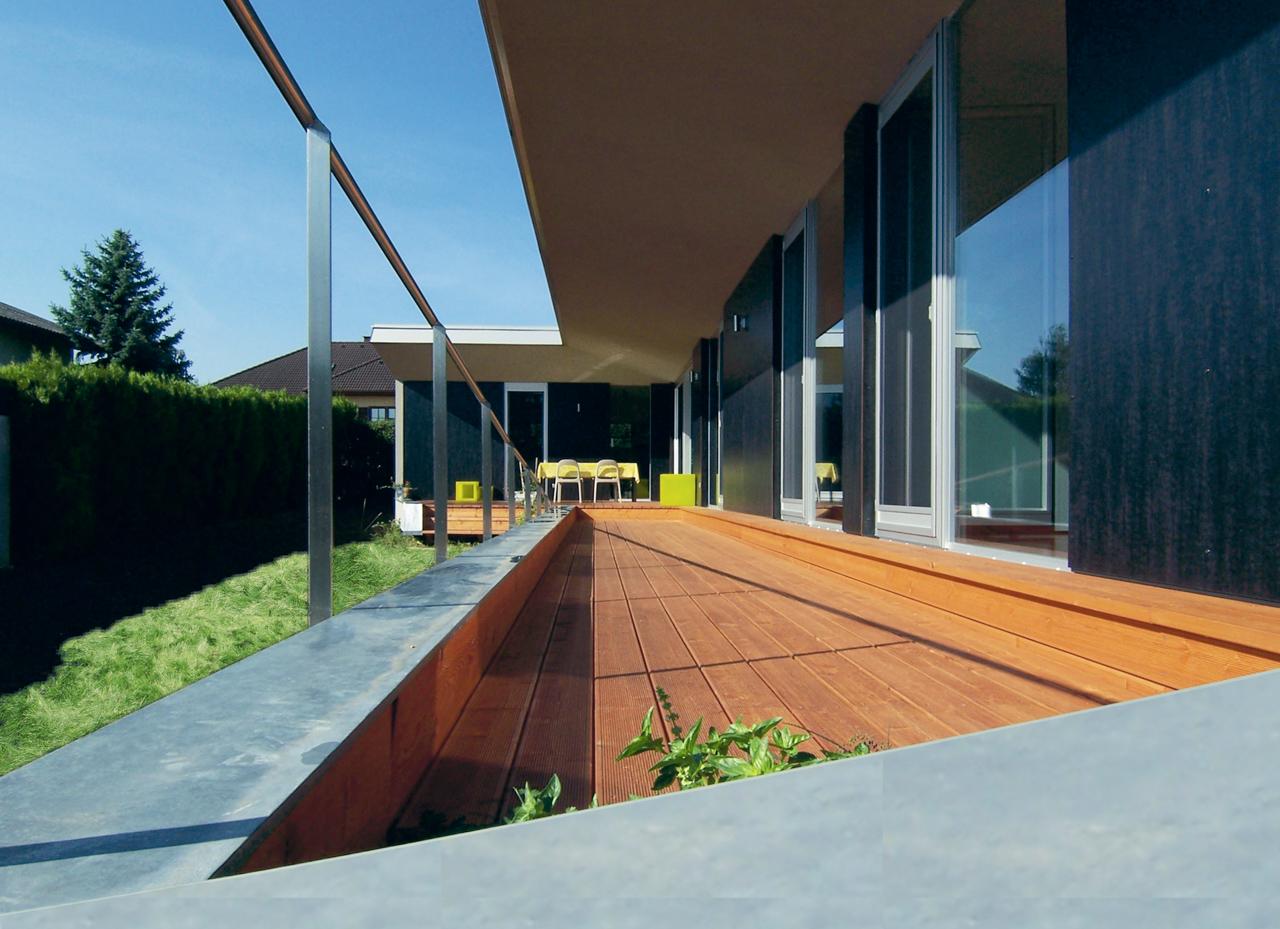 Terrasse in einem Einfamilienhaus der Paschinger Architekten