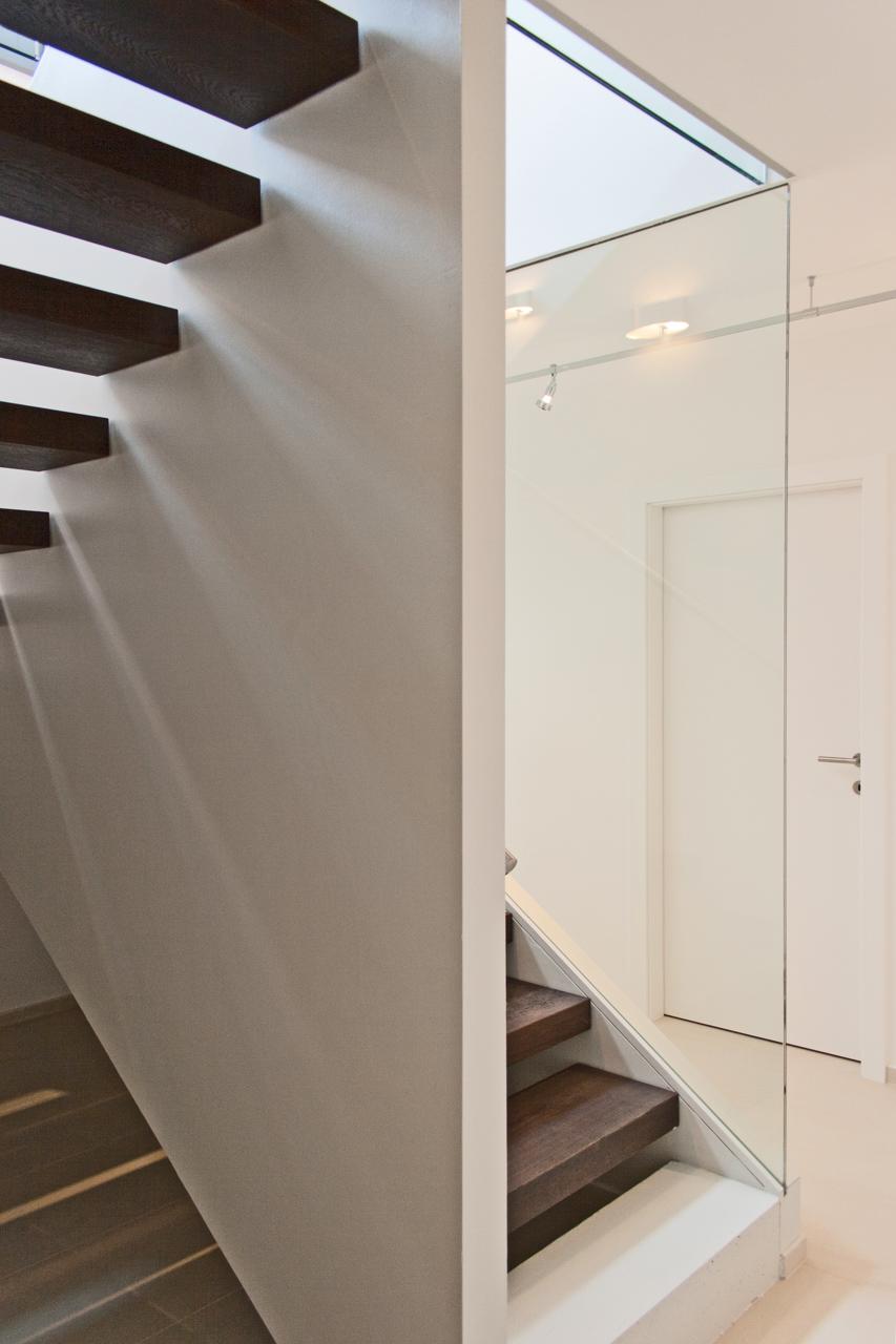 Innenansicht Einfamilienhaus aus Maserholz Niederösterreich (Paschinger Architekten)