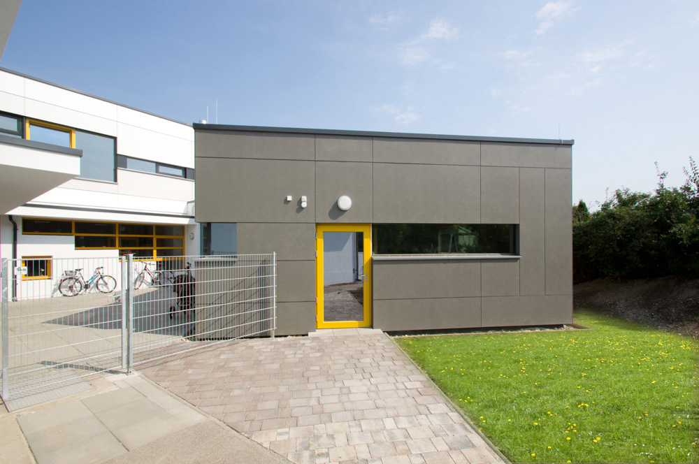 Tolles Außendesign im Kindergarten von kigago (Paschinger Architekten)