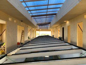 Innenansicht des alten Glasdaches unseres Projektes KPS in Holzmassivbauweise in Guntramsdorf